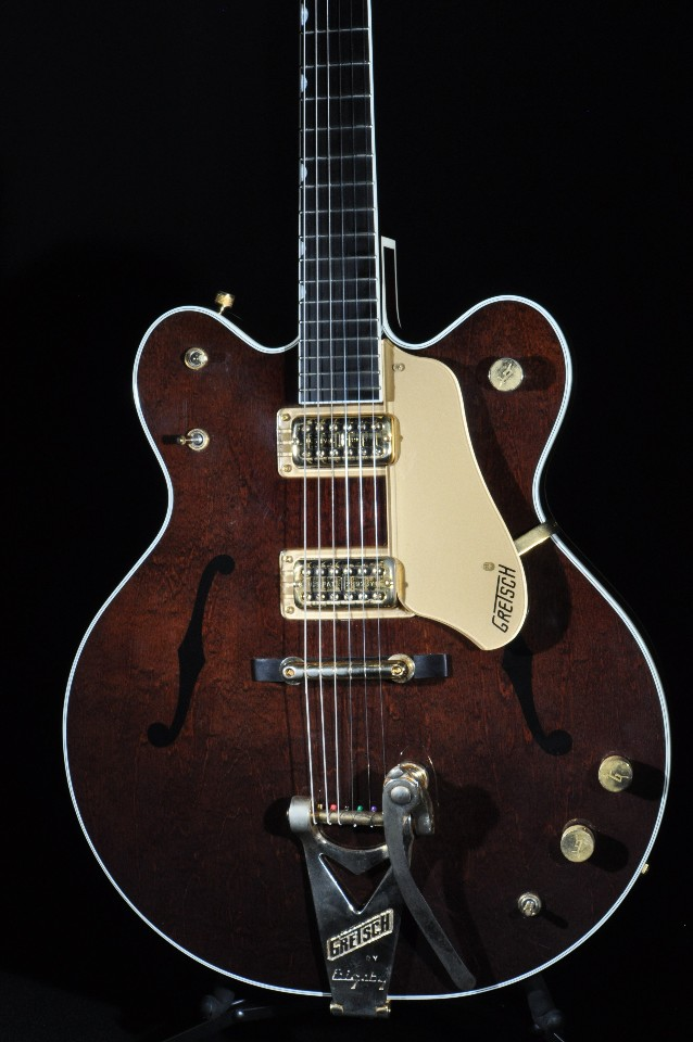 gretsch g6122 1962 country classic walnut electric guitar w hardshell case 2005 streetsoundsnyc. Black Bedroom Furniture Sets. Home Design Ideas