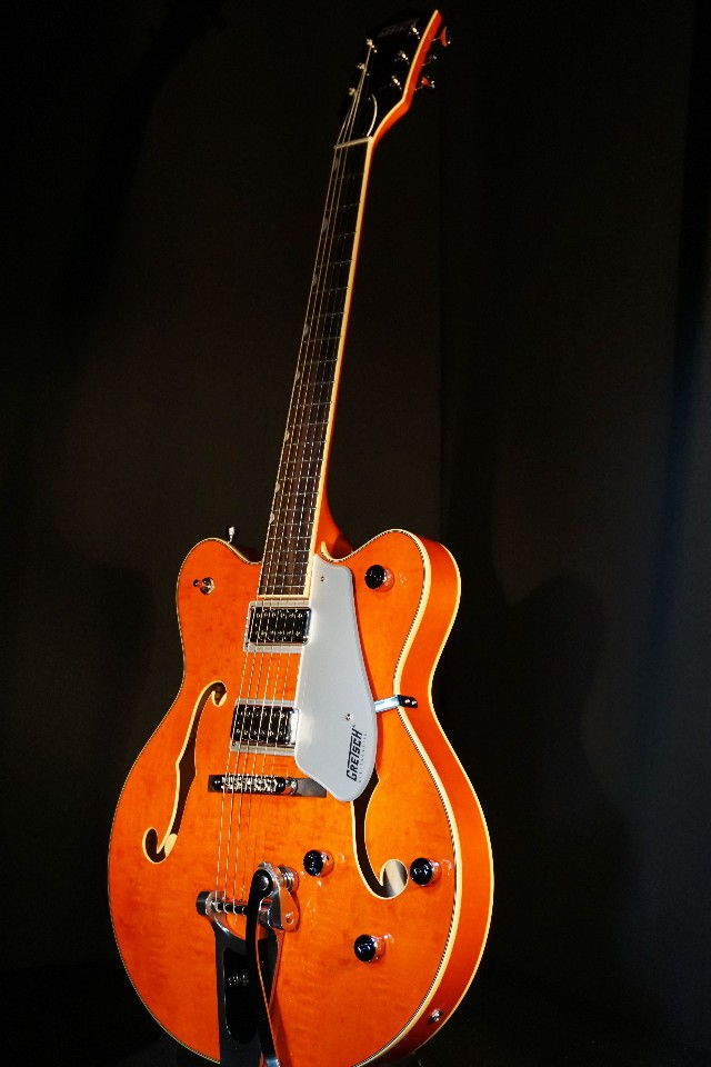 gretsch g5422t orange electromatic double cutaway guitar mint 2018 streetsoundsnyc. Black Bedroom Furniture Sets. Home Design Ideas