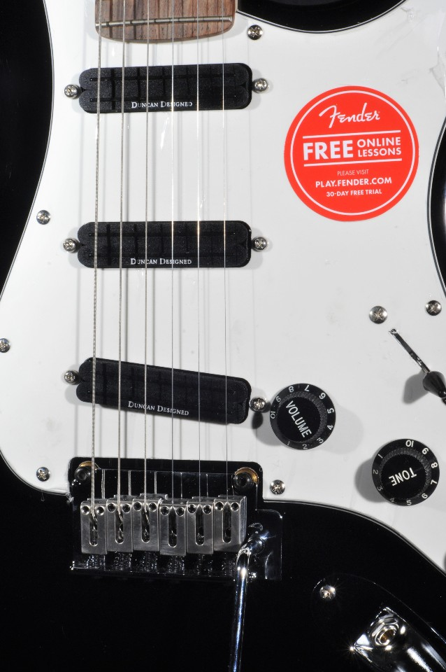 squier by fender deluxe stratocaster hot rails black electric guitar streetsoundsnyc. Black Bedroom Furniture Sets. Home Design Ideas