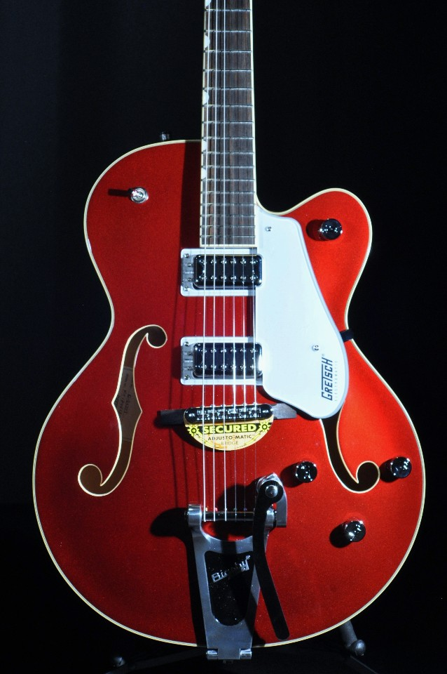 gretsch g5420t car candy apple red electromatic hollow body electric guitar streetsoundsnyc. Black Bedroom Furniture Sets. Home Design Ideas