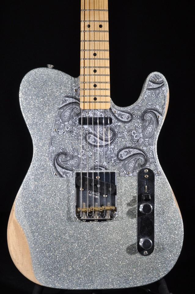 fender brad paisley signature road worn silver sparkle telecaster guitar streetsoundsnyc. Black Bedroom Furniture Sets. Home Design Ideas