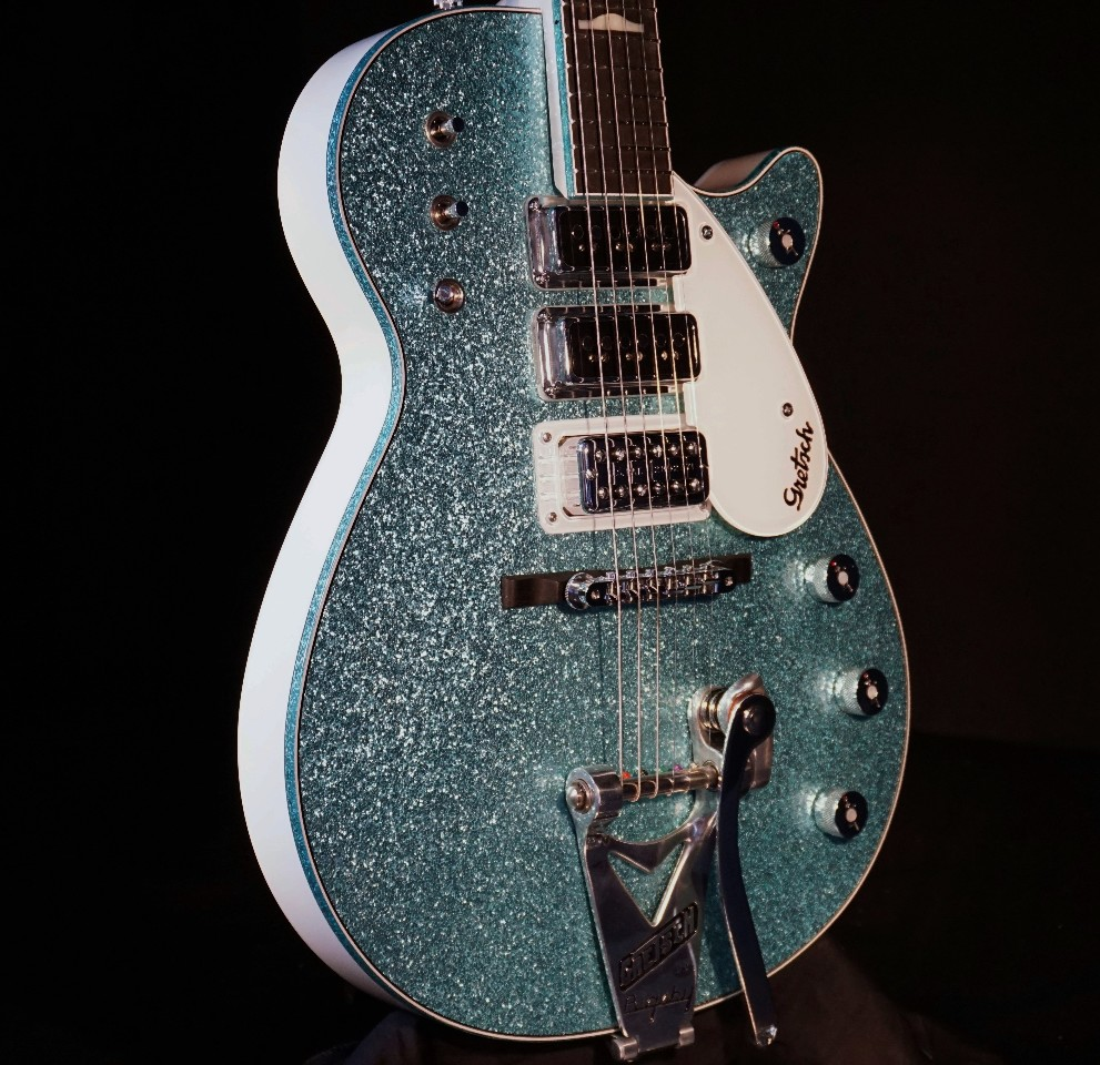 gretsch usa custom shop triple jet 3 pickup turquoise sparkle alpine white guitar streetsoundsnyc. Black Bedroom Furniture Sets. Home Design Ideas