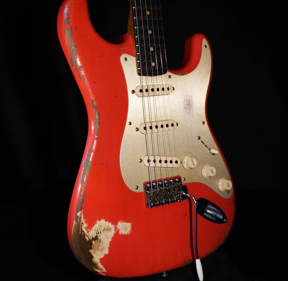 fender 2017 limited heavy relic 39 59 roasted stratocaster aged fiesta red guitar streetsoundsnyc. Black Bedroom Furniture Sets. Home Design Ideas