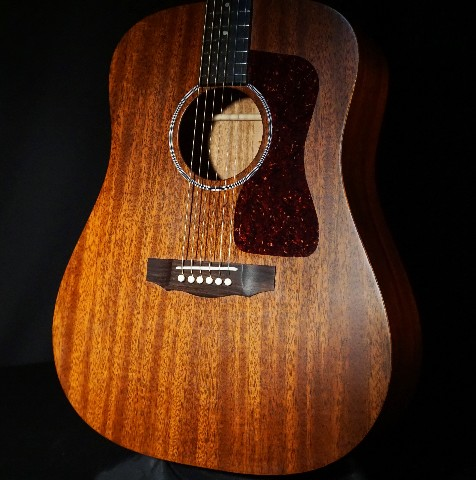 Guild USA D-20 Dreadnought Mahogany Natural Guitar W/Hardshell Case Demo