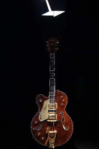 gretsch usa custom shop g6120cst lh lefty curly maple 3 pickup nashville guitar 885978916184 ebay. Black Bedroom Furniture Sets. Home Design Ideas