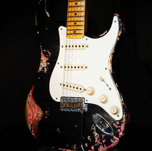 Fender Lmt 1957 Custom Shop Stratocaster Heavy Relic Black Over Pink Paisley Guitar