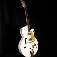 Gretsch G6136T-WHT White Falcon Guitar Players Edition W/Hardshell