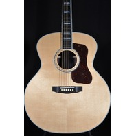 Guild USA F55  Natural Jumbo Acoustic Guitar W/Hardshell Case