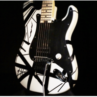 EVH Striped Series White with Black Stripe Guitar