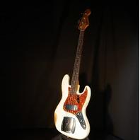 Fender Custom Shop 1960 Jazz Bass Heavy Relic Aged Olympic White