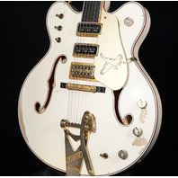 Gretsch USA Custom Shop G6136-62 Heavy Relic 3 Pickup White Falcon Guitar