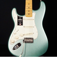 Fender AM Pro II Stratocaster Lefty Mystic Surf Green Maple FB (Actual Guitar)