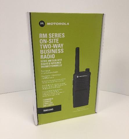 1 Motorola RMU2043 - UHF 2 Watt 4 Channel Radios - Black (READ)