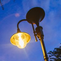 Gama Sonic Cast Aluminum Solar Light Everest Solar Powered Lamp Post