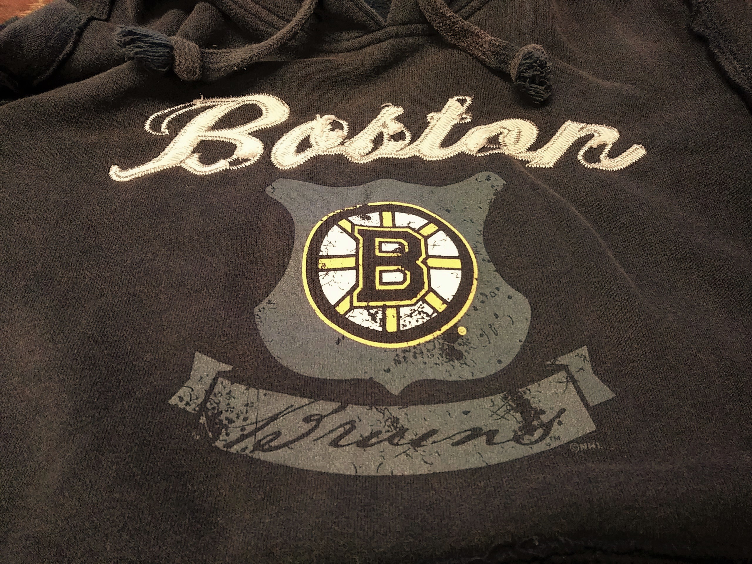 503e93896 Gear For Sports Distressed Brown Boston Bruins Pullover Hoodie Size S  Hockey NHL
