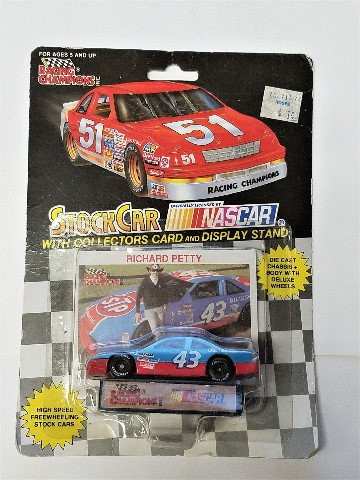 1992 Racing Champions 1:64 #43 Richard Petty/STP Black Wheels
