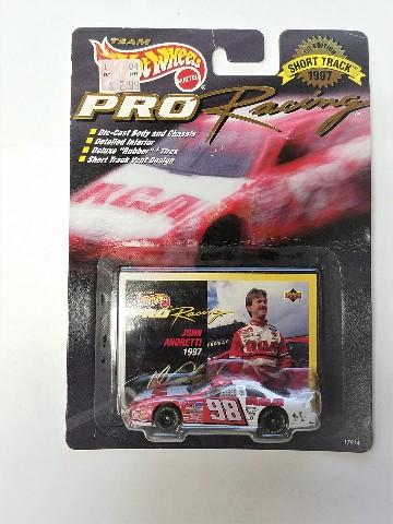 1997 Hot Wheels Pro Racing 1:64 #98 John Andretti/RCA Short Track Diecast Car