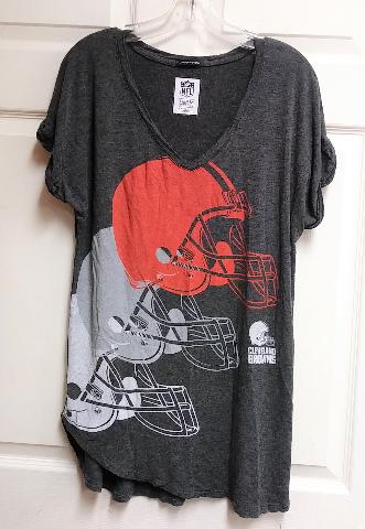 NFL Team Apparel Longer Length Cleveland Browns V-Neck Graphic T-shirt Size XL