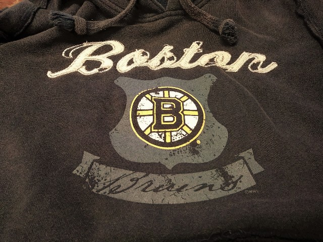 Gear For Sports Distressed Brown Boston Bruins Pullover Hoodie Size S Hockey NHL
