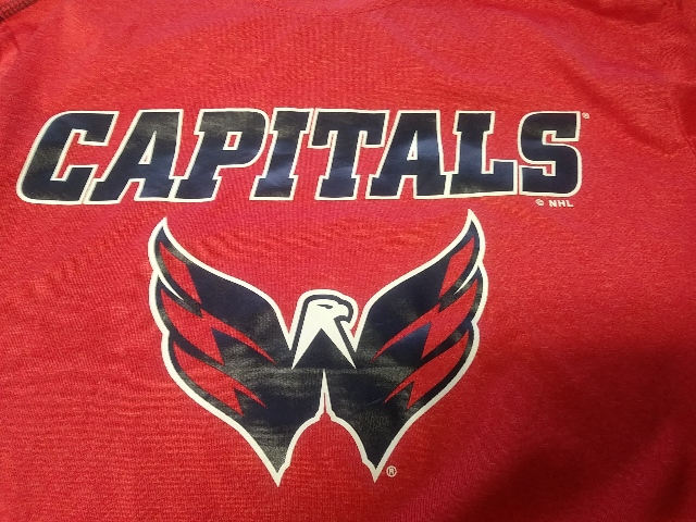 Official NHL Licensed Washington Capitals Red Long Sleeve T-Shirt Size M