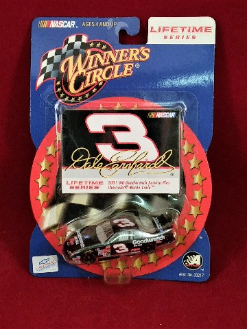 2002 Winner's Circle Lifetime Series Dale Earnhardt Sr #3 1:64 GM Goodwrench