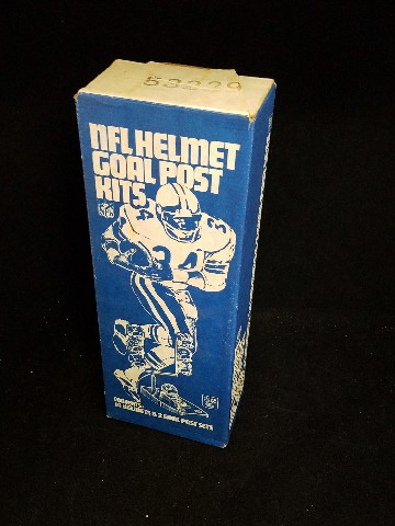 Vintage 1970s NFL Mini Helmet & Goal Post Kit NOS Gumball Machine Toy Football