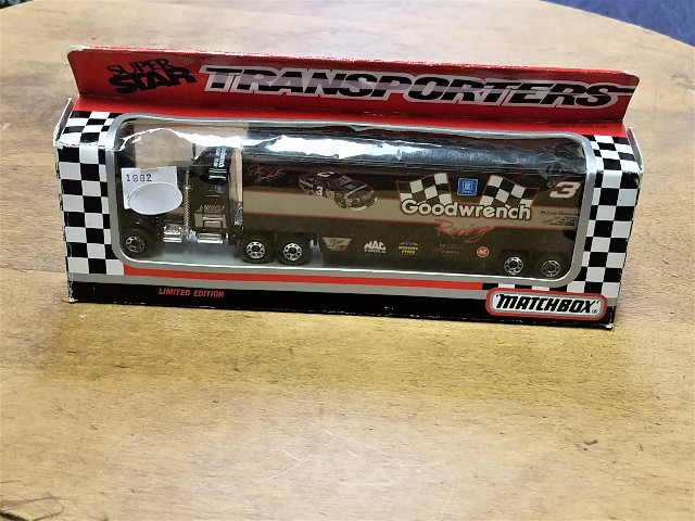 1992 Matchbox Transporters Super Star 1:87 #3 Dale Earnhardt Goodwrench