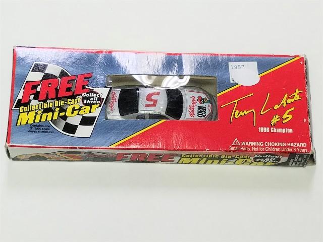1997 Kelloggs Racing Cereal Box Promo 1:64 #5 Terry Labonte Corn Flakes Iron Man