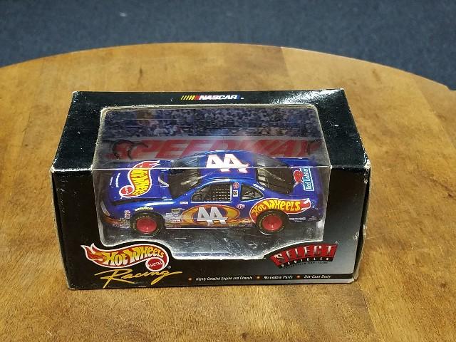 1999 Hot Wheels Racing Select 1:43 #44 Kyle Petty Diecast NASCAR NIB NOS
