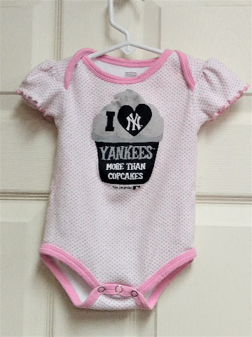 I Love New York Yankees More Than Cupcakes Baby Girl Pink Bodysuit Size 12M