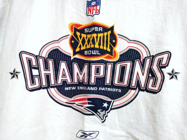 28fc271ac7a Reebok New England Patriots Super Bowl XXXVIII 38 Champions T-Shirt Size L  NFL | Heroes Sports Cards