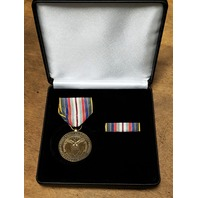 US Armed Forces Retired Commemorative Medal Presentation Set