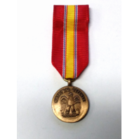 Vanguard MINIATURE MEDAL NATIONAL DEFENSE - New Old Stock NOS