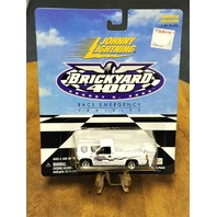 2000 Johnny Lightning Brickyard 400 Race Emergency Chevy Silverado Truck NOS