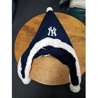 Forever Collectibles NEW YORK YANKEES MLB Licensed Dangle Hat Santa Winter