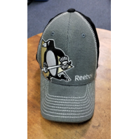 Official NHL Hockey Reebok Center Ice Pittsburgh Penguins Fitted Hat Men's S/M