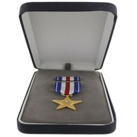 Vanguard PRESENTATION SET: SILVER STAR MEDAL & RIBBON UNIT