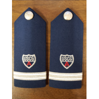 Vanguard COAST GUARD AUXILIARY HARD SHOULDER BOARD RED A: ENSIGN FSO