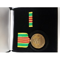 Vietnam Service Commemorative Medal Presentation Set