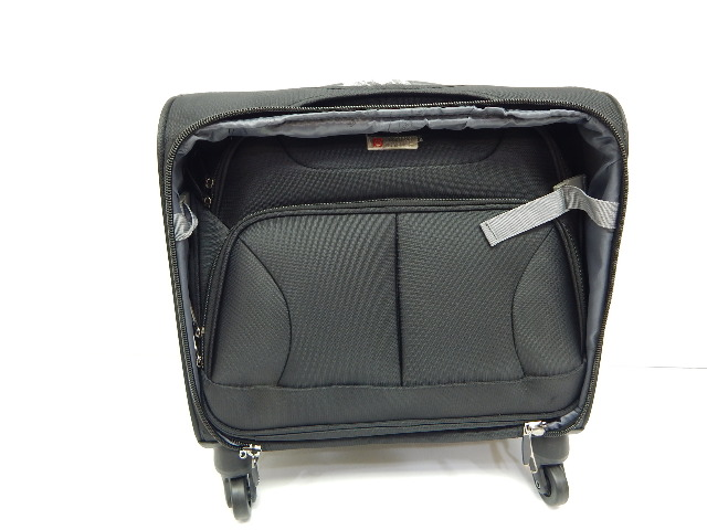 American Green Travel Franklin Business Case Spinner Briefcase
