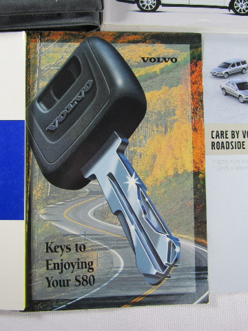 VOLVO S80 OWNERS MANUAL 2004 BOOK S 80 HANDBOOK w// POUCH