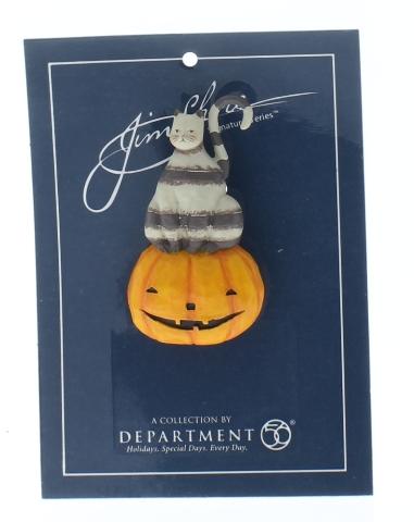 Jim Shore Collectible Department 56 Hat Lapel Pin Halloween Cat on Pumpkin