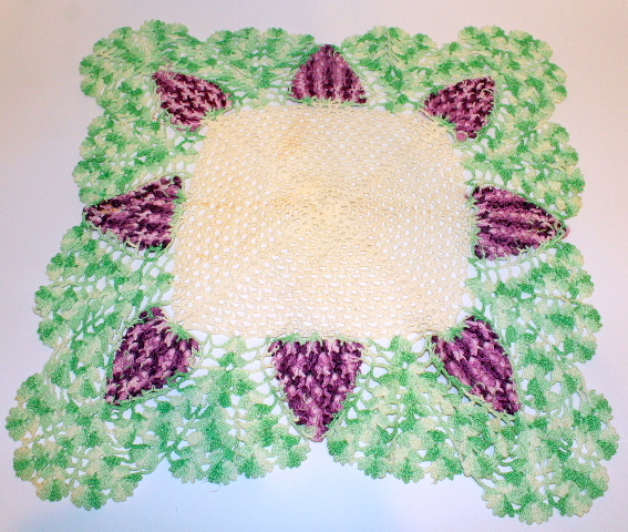 "Green and Purple Wine Grape Crochette Doily Large Size 18"" x 18"""