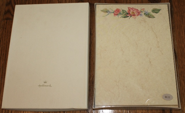Hallmark Stationary Desk Set of 32 Vintage Rose Sheets 16 Envelopes
