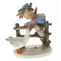 Goebel Hummel Figurine 195 Tmk 2 Barnyard Hero Full Bee