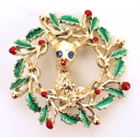 Gerry Stamped Reindeer Wreath Rhinestone Pin with Gold Tones Brooch Broach
