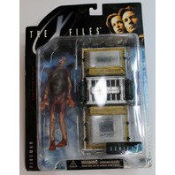 The X-Files McFarelane Series 1 Fireman Alien with Cryoilitter Mint on Card MOC