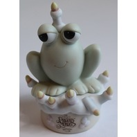 Precious Moments Frog on a Cake Happy Birthday 1995 Figurine Toad