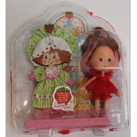 Strawberry Shortcake 1991 Berry Sweet Sleepover Doll and Extra Outfit