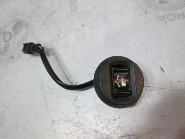 61A-82563-00-00  Yamaha Outboard Trim & Tilt Switch